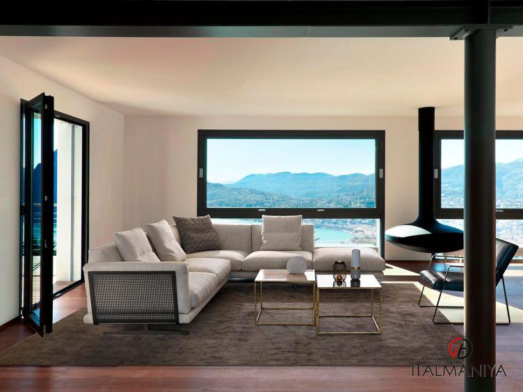 Фото 1 - Мягкая мебель Leon фабрики Gyform (производство Италия) в современном стиле из массива дерева
