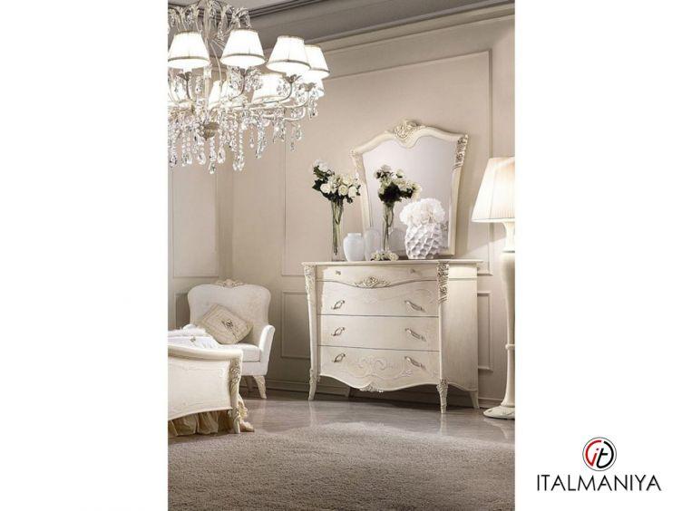 Фото 1 - Зеркало Vittoria фабрики Antonelli Moravio (производство Италия) в стиле прованс из массива дерева белого цвета