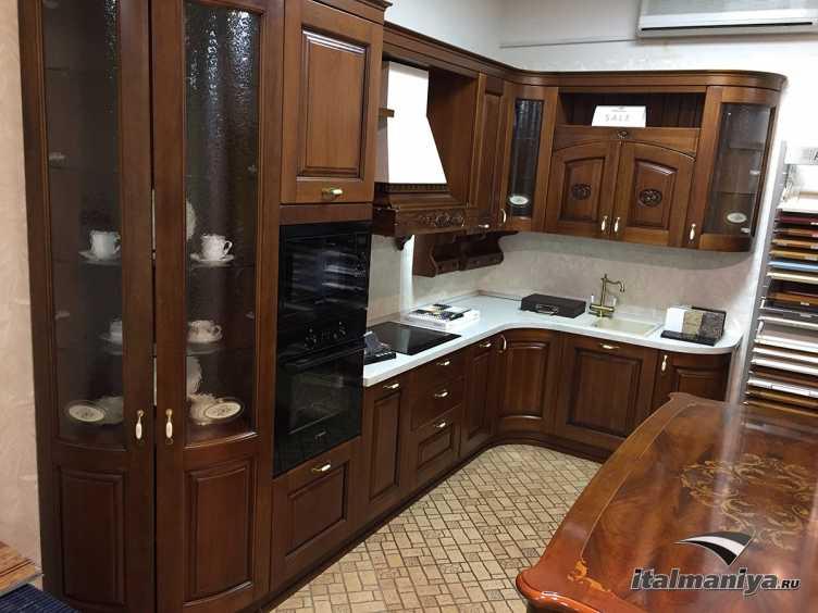 Фото 1 - Кухня Castellana фабрики Ar-Tre (производство Италия) в классическом стиле из массива дерева
