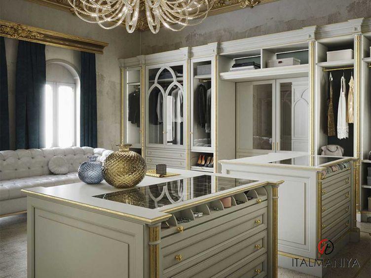 Фото 1 - Гардеробная Venezia фабрики FM Bottega (производство Италия) в классическом стиле из массива дерева