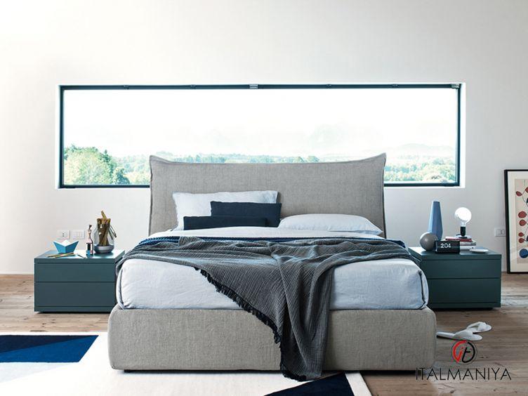 Фото 1 - Кровать Francis фабрики Alf (производство Италия) в современном стиле из массива дерева