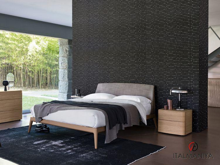 Фото 1 - Кровать Ecate фабрики Alf (производство Италия) в современном стиле из массива дерева