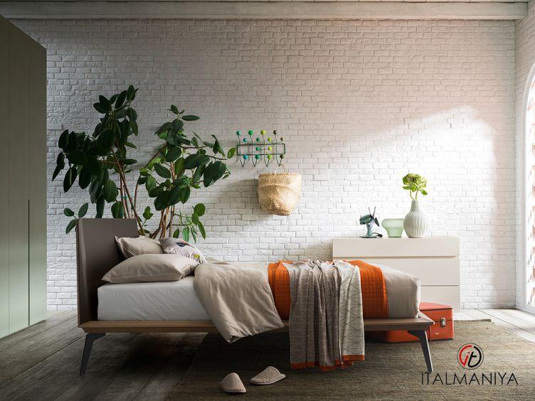 Фото 1 - Кровать Xilo фабрики Alf (производство Италия) в стиле лофт из массива дерева