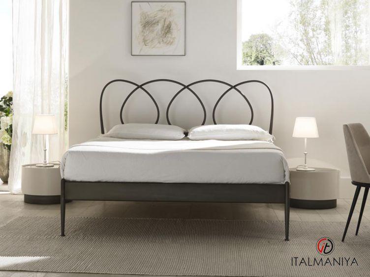Фото 1 - Кровать Helios фабрики Cantori (производство Италия) в стиле лофт из металла