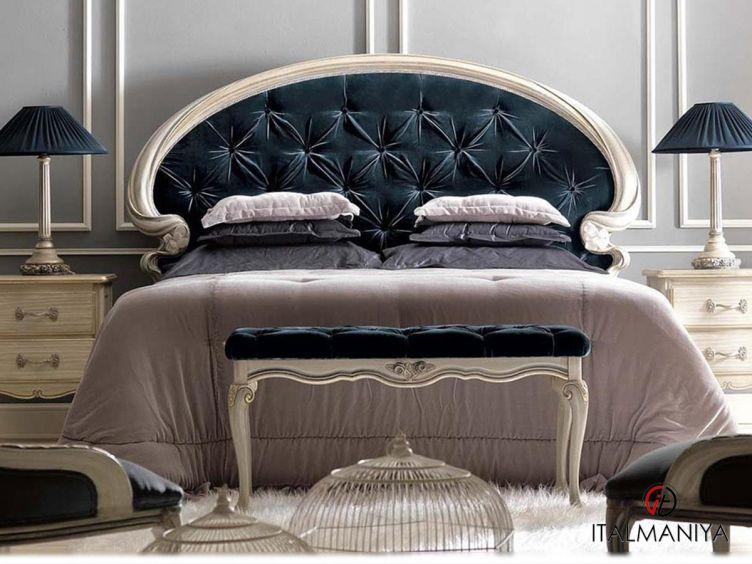 Фото 1 - Кровать Art 1991 фабрики Savio Firmino (производство Италия) в классическом стиле из массива дерева