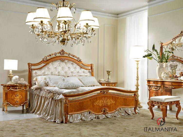Фото 1 - Кровать Charme фабрики Antonelli Moravio (производство Италия) в классическом стиле из массива дерева коричневые