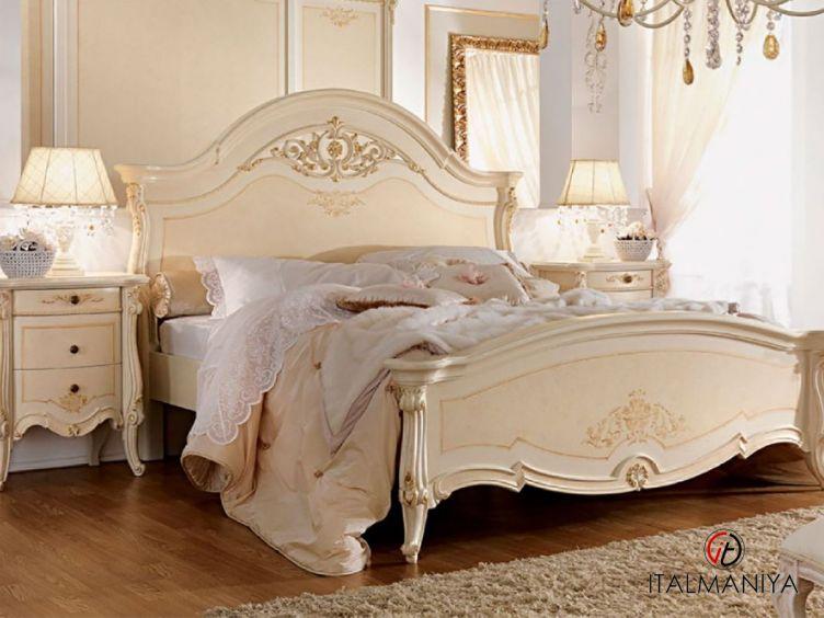 Фото 1 - Кровать Prestige фабрики Barnini Oseo (производство Италия) в классическом стиле из массива дерева