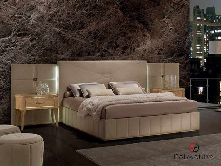 Фото 1 - Кровать Richmond фабрики Barnini Oseo (производство Италия) в современном стиле из массива дерева