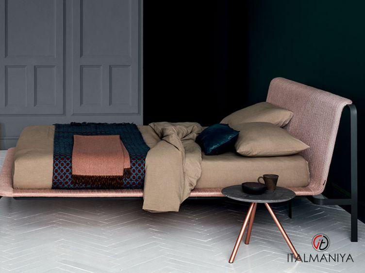 Фото 1 - Кровать Bend фабрики Bolzan Letti (производство Италия) в современном стиле из металла