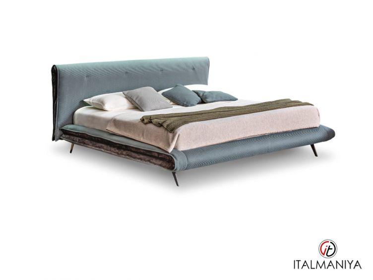 Фото 1 - Кровать Saddle фабрики Bonaldo (производство Италия) в классическом стиле из массива дерева