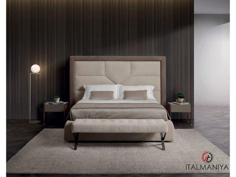 Фото 1 - Кровать Versailles фабрики Conte (производство Италия) в современном стиле из массива дерева