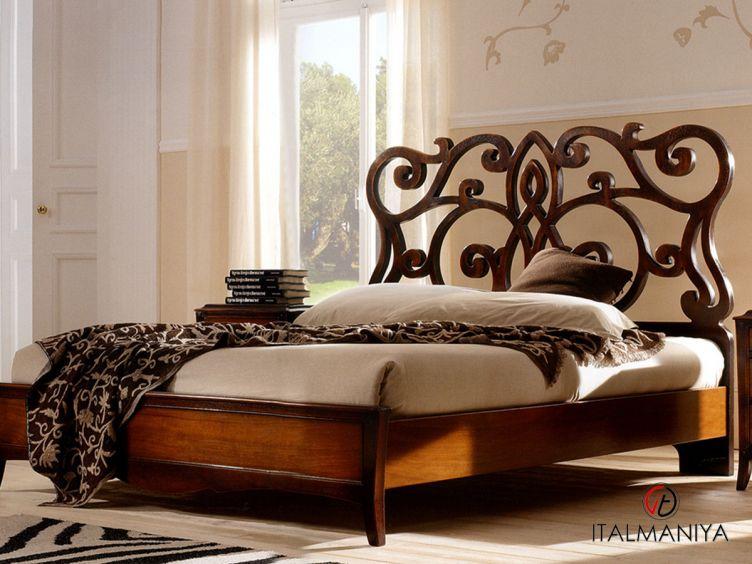 Фото 1 - Кровать Monet фабрики FM Bottega (производство Италия) в классическом стиле из массива дерева