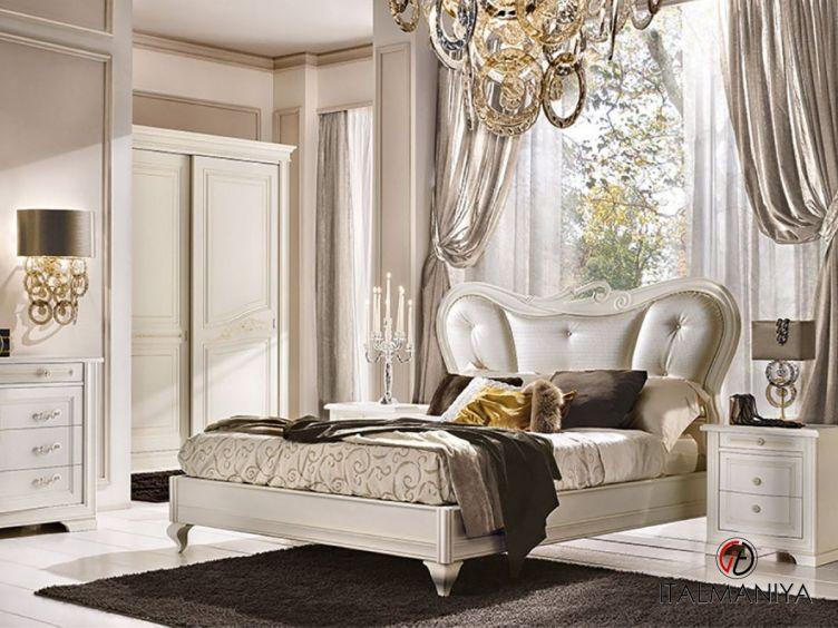 Фото 1 - Кровать Gemma фабрики Ferretti & Ferretti (производство Италия) в классическом стиле из массива дерева