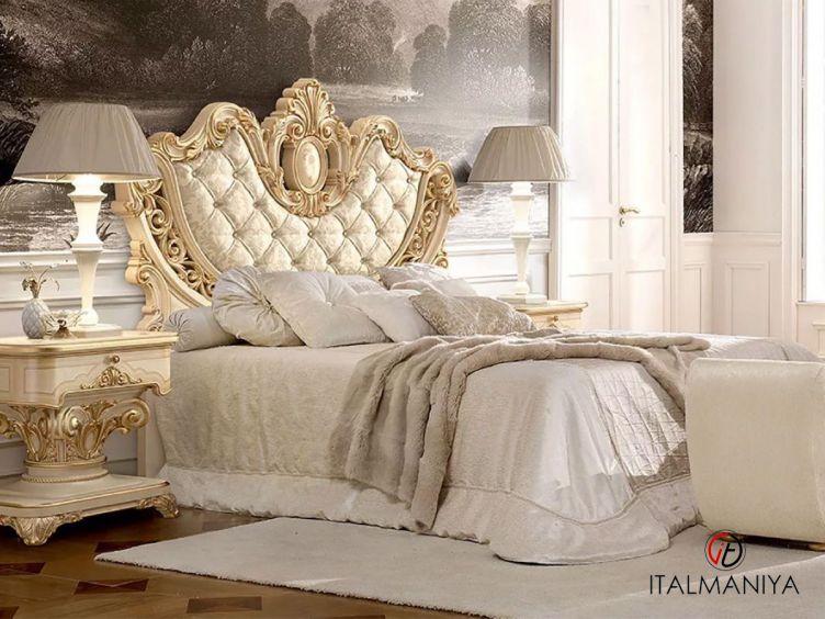 Фото 1 - Кровать Imperiale фабрики Grilli (производство Италия) в стиле барокко из массива дерева
