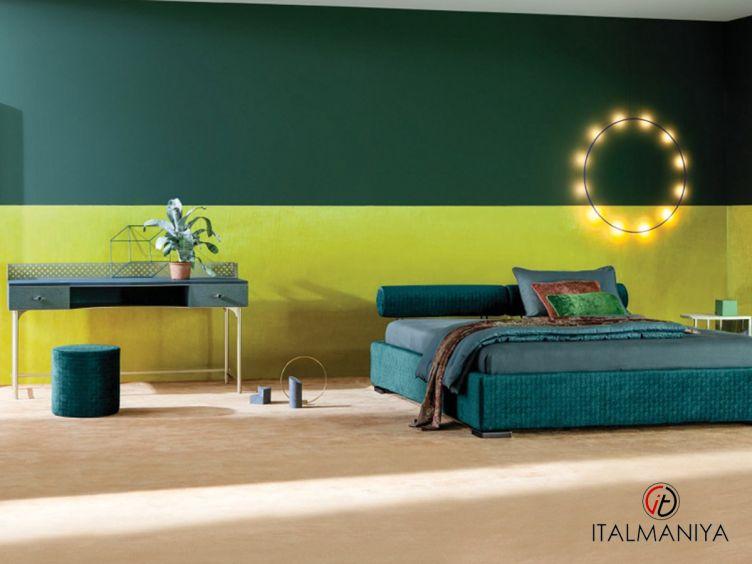 Фото 1 - Кровать Max Rollo фабрики Twils (производство Италия) в современном стиле из массива дерева