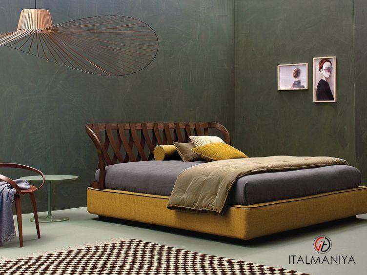 Фото 1 - Кровать Natural фабрики Twils (производство Италия) в современном стиле из массива дерева