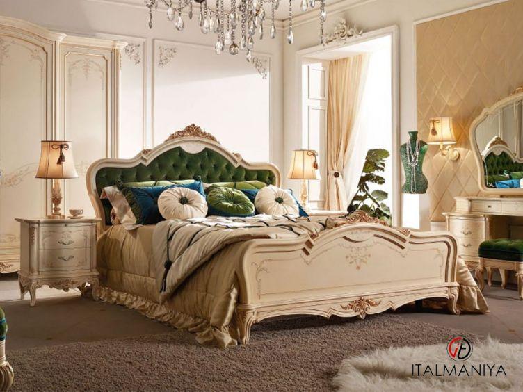 Фото 1 - Кровать Principe фабрики Valderamobili (производство Италия) в классическом стиле из массива дерева