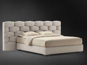 Кровать с широким изголовьем Majal Flou