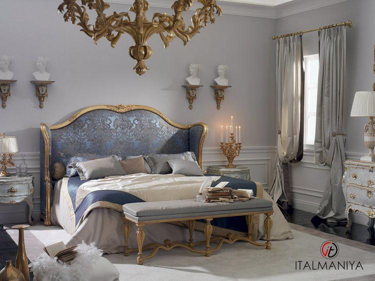 Фото 1 - Спальня Nuvole e sogni Versailles фабрики Roberto Giovannini (производство Италия) в классическом стиле из массива дерева