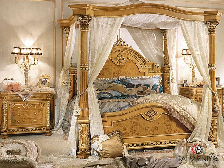 Фото 1 - Спальня Old classic фабрики Riva (производство Италия) в классическом стиле из массива дерева