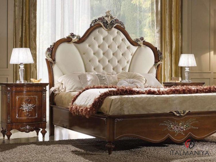 Фото 1 - Спальня Rinascimento Noce фабрики Agostini (производство Италия) в классическом стиле из массива дерева