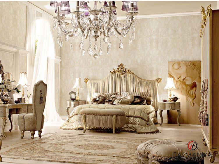 Фото 1 - Спальня Vipart 1 фабрики Altamoda (производство Италия) в классическом стиле из массива дерева