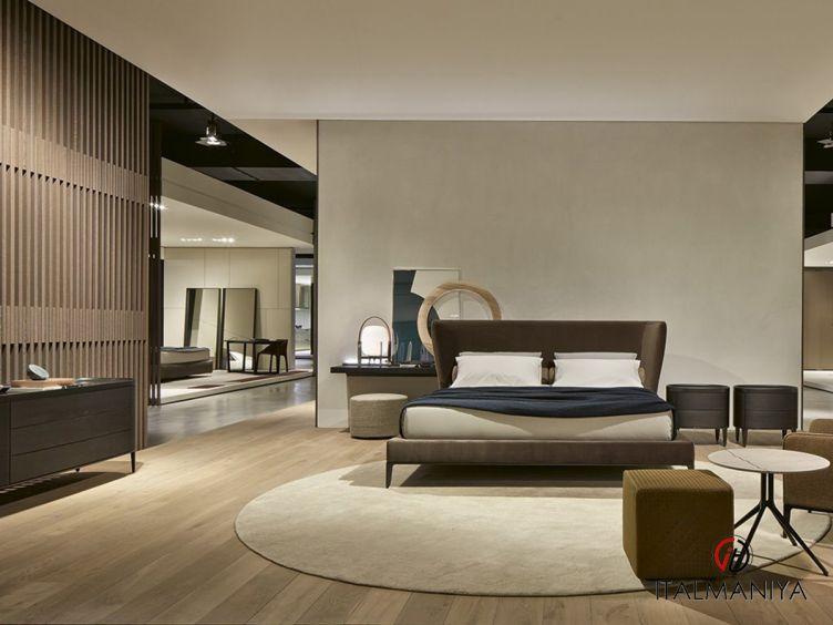 Фото 1 - Спальня Gentleman фабрики Poliform (производство Италия) в современном стиле из массива дерева