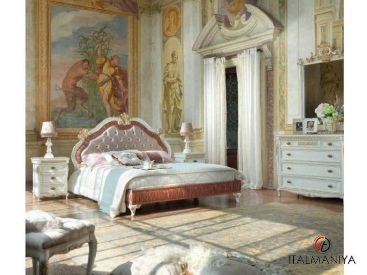 Фото 1 - Спальня Bella Italia фабрики Tarocco Vaccari (производство Италия) в классическом стиле из массива дерева