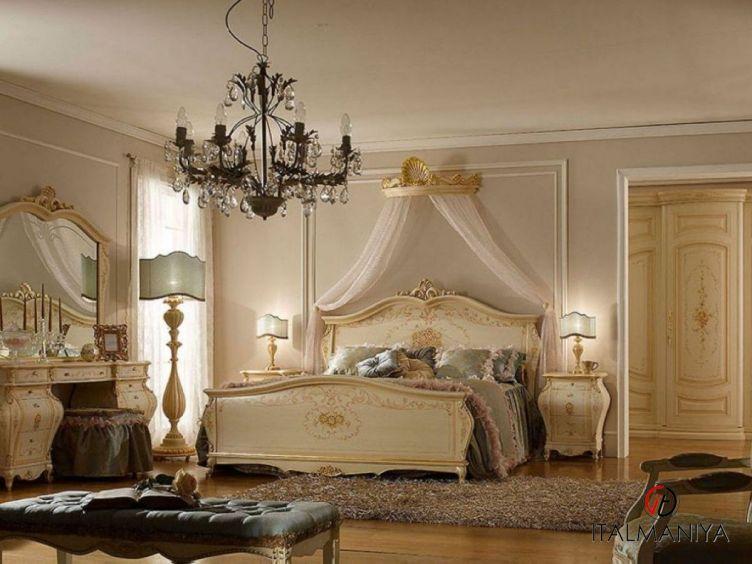 Фото 1 - Спальня Regency фабрики A&M Ghezzani (производство Италия) в классическом стиле из массива дерева