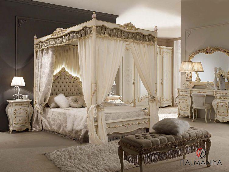Фото 1 - Спальня Venezia фабрики A&M Ghezzani (производство Италия) в классическом стиле из массива дерева