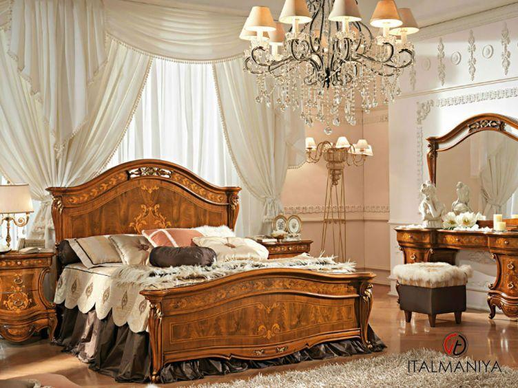 Фото 1 - Спальня Napoleone фабрики Antonelli Moravio (производство Италия) в классическом стиле из массива дерева