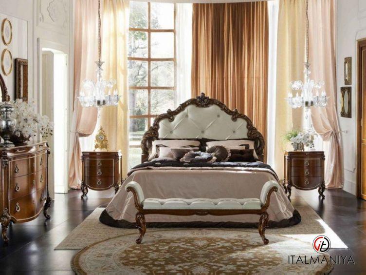Фото 1 - Спальня Venezia фабрики Bamax (производство Италия) в классическом стиле из массива дерева