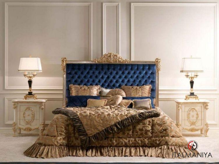 Фото 1 - Спальня Metropole фабрики Bedding (производство Италия) в классическом стиле из массива дерева