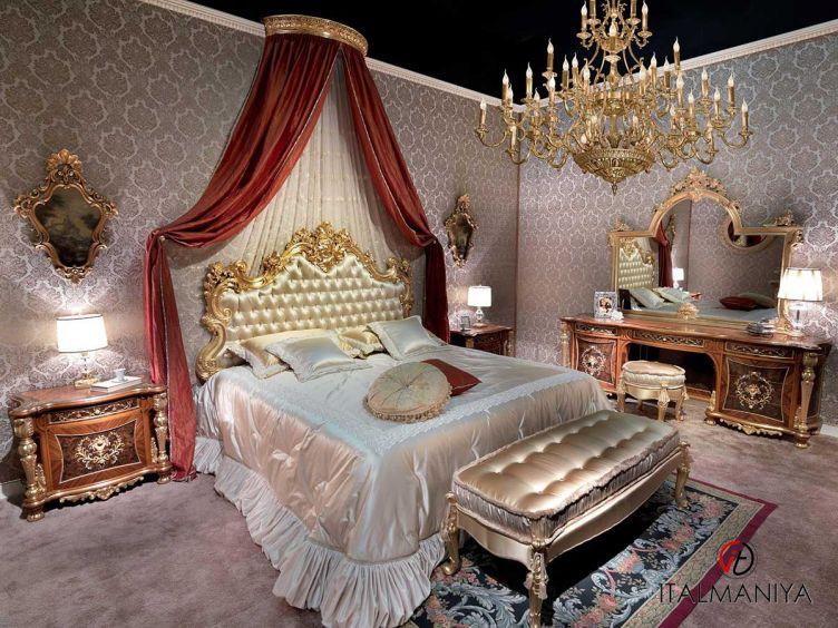 Фото 1 - Спальня Noemi фабрики Carlo Asnaghi (производство Италия) в классическом стиле из массива дерева