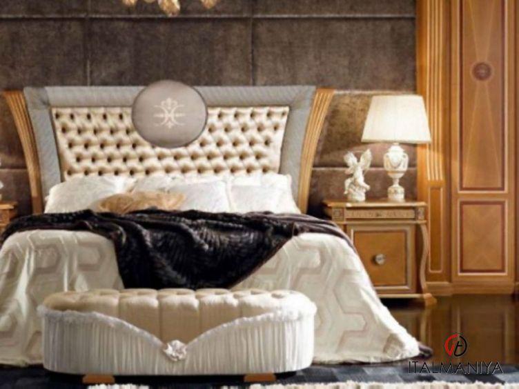 Фото 1 - Спальня Luxury фабрики Domus (производство Италия) в классическом стиле из массива дерева