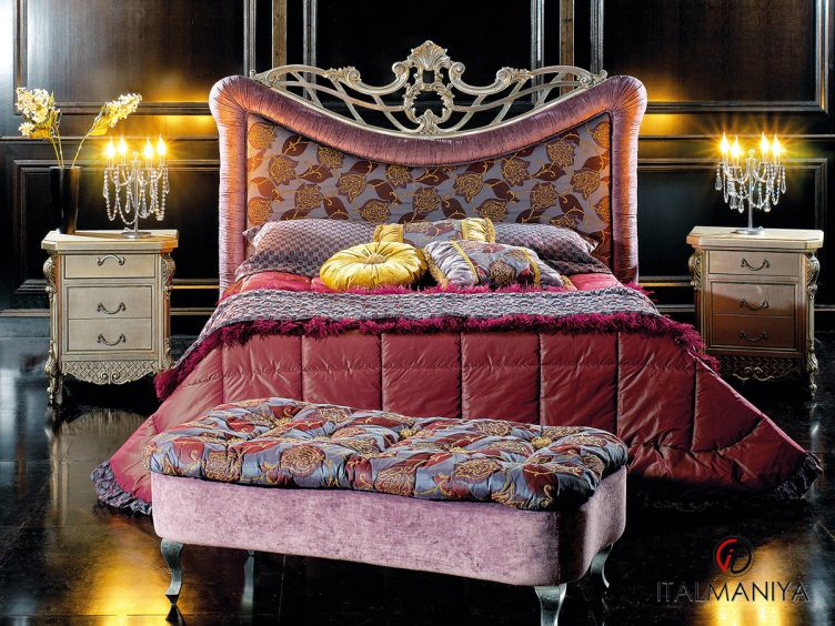 Фото 1 - Спальня Kory фабрики Epoque (производство Италия) в классическом стиле из массива дерева