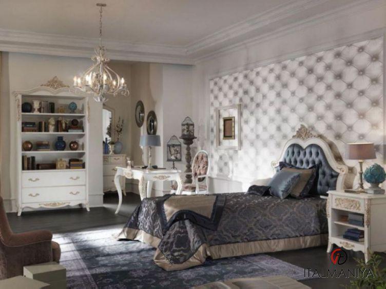 Фото 1 - Спальня Granguardia фабрики Francesco Pasi (производство Италия) в классическом стиле из массива дерева