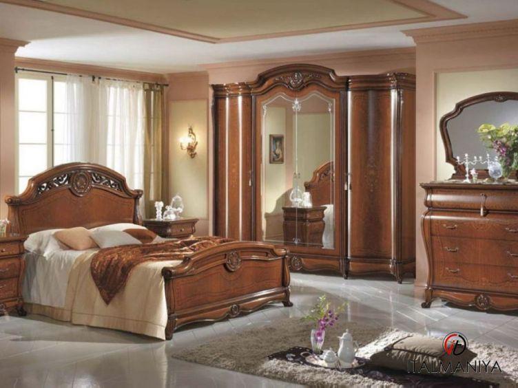 Фото 1 - Спальня Ducale Noce фабрики Mobil Piu (производство Италия) в классическом стиле из массива дерева цвета орехового дерева