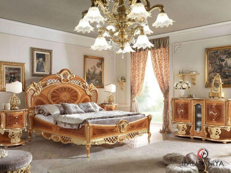 Фото 1 - Спальня Regina фабрики Pistolesi (производство Италия) в стиле барокко из массива дерева