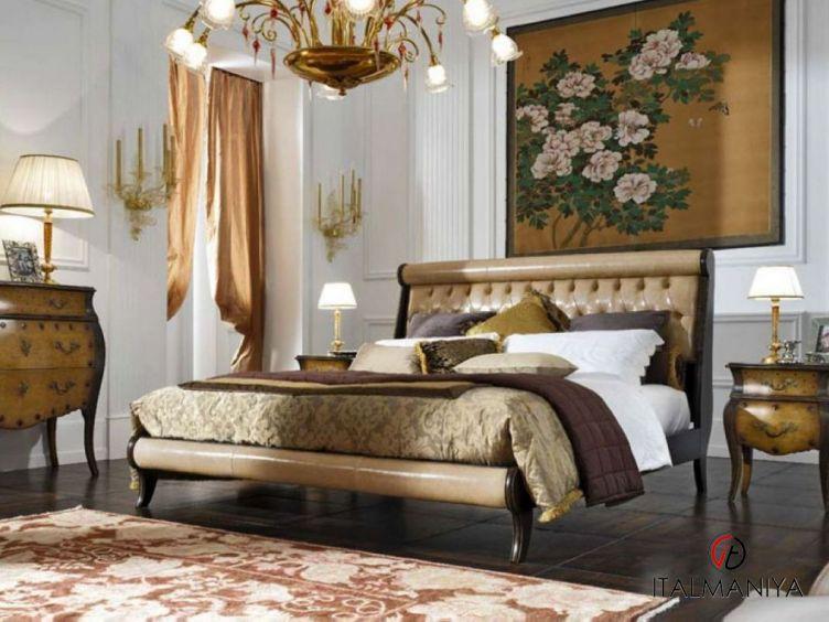 Фото 1 - Спальня Venezia фабрики Pregno (производство Италия) в классическом стиле из массива дерева