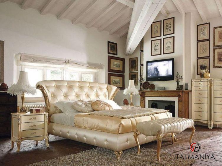 Фото 1 - Спальня Capri 35 фабрики Volpi (производство Италия) в классическом стиле из массива дерева
