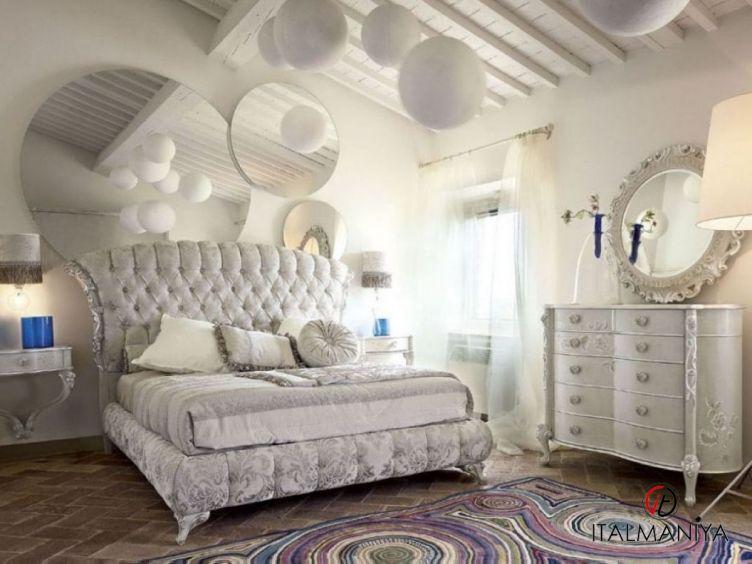 Фото 1 - Спальня Narciso 58 фабрики Volpi (производство Италия) в классическом стиле из массива дерева