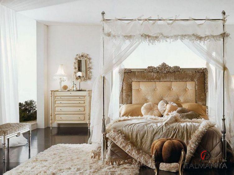Фото 1 - Спальня Teodoro 2 фабрики Volpi (производство Италия) в классическом стиле из массива дерева
