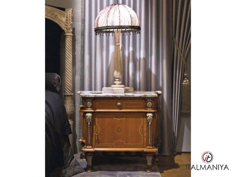Фото 1 - Тумба прикроватная 1225/2 фабрики Provasi (производство Италия) в классическом стиле из массива дерева