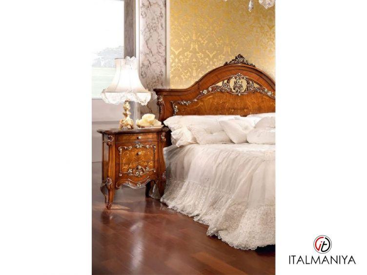 Фото 1 - Тумба прикроватная Prestige Plus фабрики Barnini Oseo (производство Италия) в стиле барокко из массива дерева