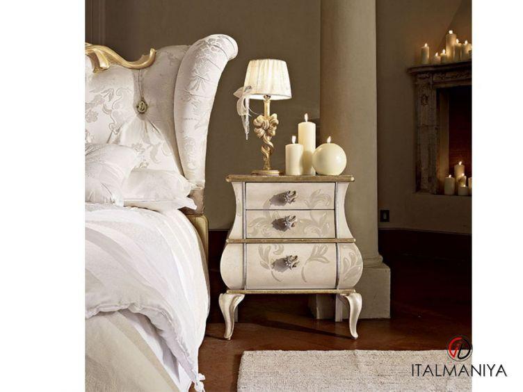 Фото 1 - Тумба прикроватная Matilde фабрики Volpi (производство Италия) в стиле прованс из массива дерева