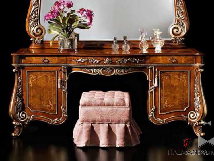 Фото 1 - Туалетный столик Firenze фабрики Barnini Oseo (производство Италия) в классическом стиле из массива дерева